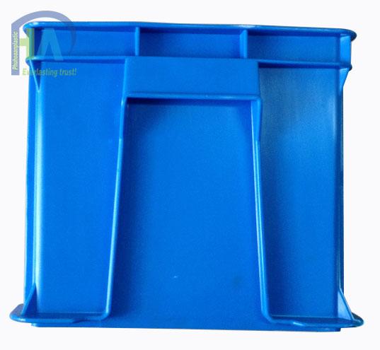 Thùng nhựa đặc B6 được khách hàng toàn quốc tin dùng